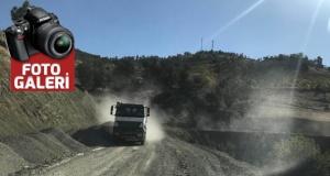 Büyükşehir yolları onarıyor