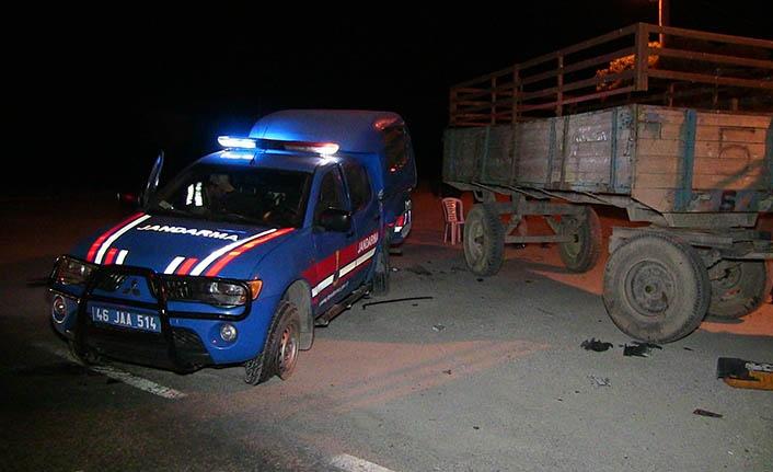 Askeri araç ile otomobil çarpıştı: 4'ü asker 7 yaralı