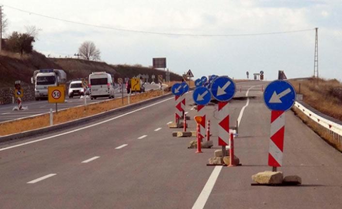 Arsan Köprülü Kavşağı'nda ulaşım kontrollü devam ediyor