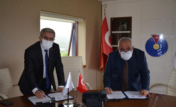 KSÜ Karacasu ve Türkoğlu Yerleşkeleri KİÜ'ye devredildi