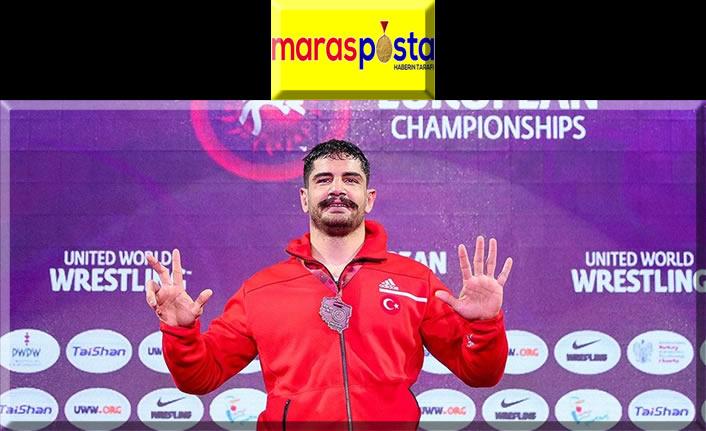 Milli güreşçi Taha Akgül 8. kez Avrupa şampiyonu oldu