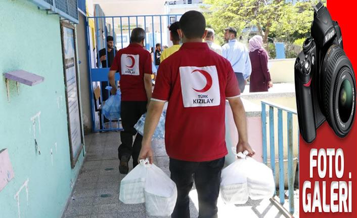 Kızılay, Gazze'de sıcak yemek dağıtımına başladı