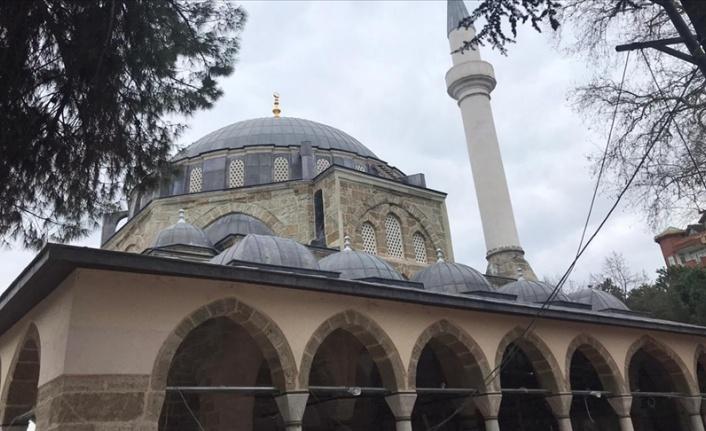 Restorasyonu tamamlanan 10 camide yeniden ezan sesi yükseldi