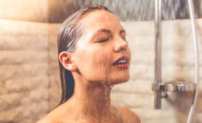 Sıcak suyla duş almak mı, soğuk suyla duş almak mı?