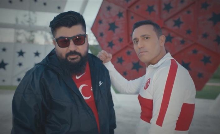 Bizim Çocuklar'ın EURO 2020 şarkısı Mustafa Sandal'dan