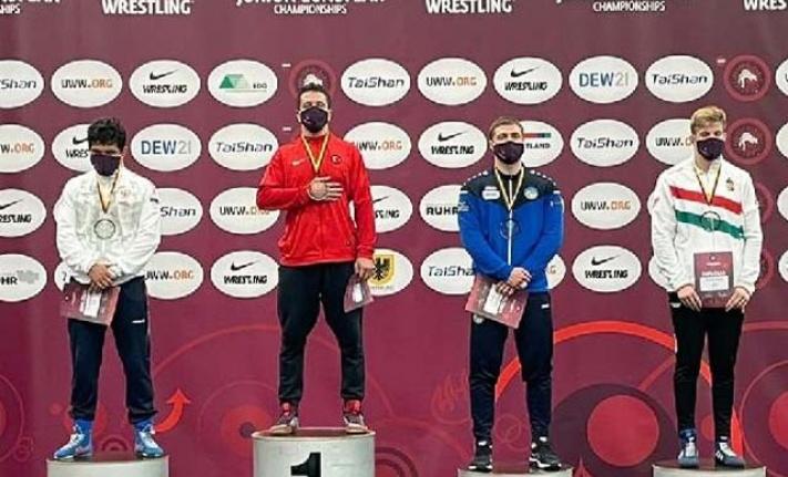 Genç pehlivanlar, 1 altın 2 bronz kazandı