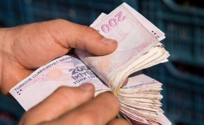 SSK ve Bağkur emeklileri  yüzde 6.39'luk zammı garantiledi...