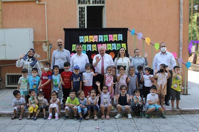 Yılmaz, Kahramanmaraş Anaokulu'nda öğretmen ve öğrencilerle bir araya geldi