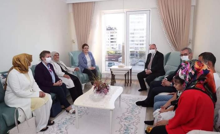 Aile Bakanı Derya Yanık ile Koruyucu Aile Derneği Yönetimi istişare etti