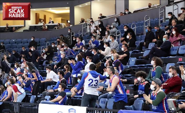 Basketbol salonları yüzde 50 kapasiteyle açılacak