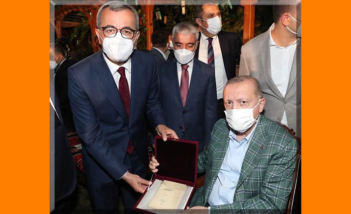 Erdoğan'dan Yedi Güzel Adam'a anlamlı hediye