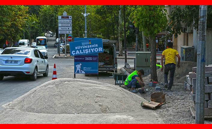 Kahramanmaraş'ta Kışla Caddesi'nin yaya yolu sorunu çözülüyor