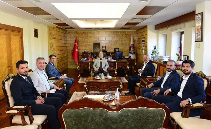 AK Partili İmran Kılıç, KSÜ Rektörü'nü ziyaret etti
