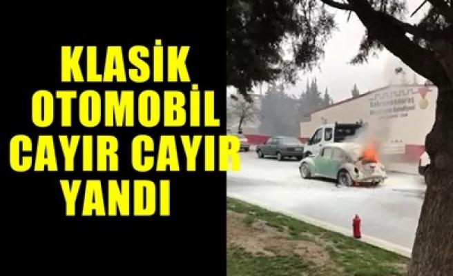 KLASİK OTOMOBİL CAYIR CAYIR YANDI