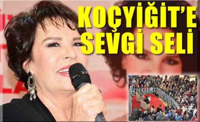 KOÇYİĞİT'E SEVGİ SELİ