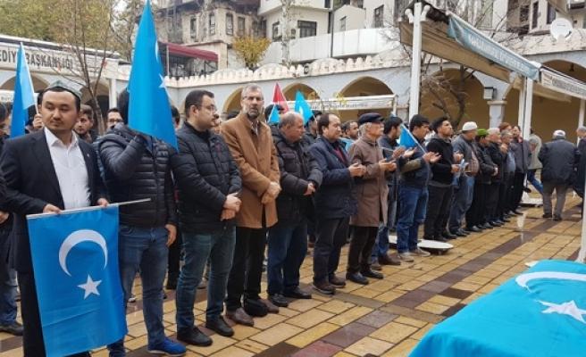 İŞKENCELER SONUCU HAYATINI KAYBETTİ!