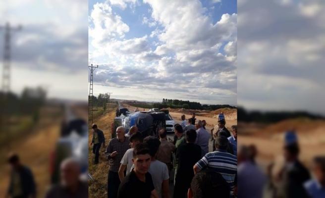 Zincirleme kaza: 3'ü asker 8 yaralı