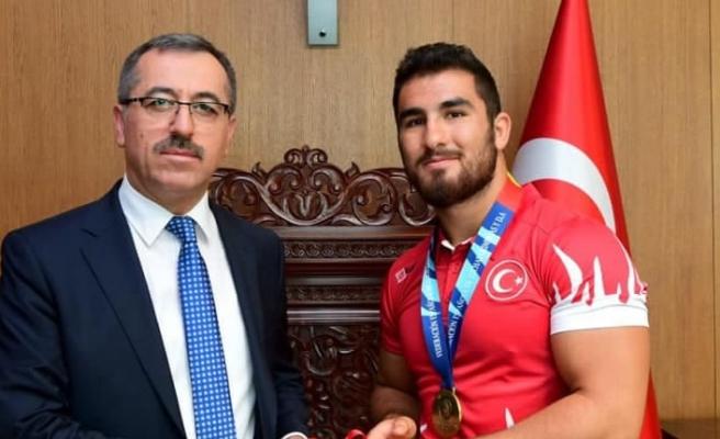İlk madalya Feyzullah Aktürk'ten geldi…