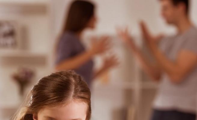 """Kopuk evliliği """"Çocuk var"""" diye sürdürmek zarar veriyor!"""