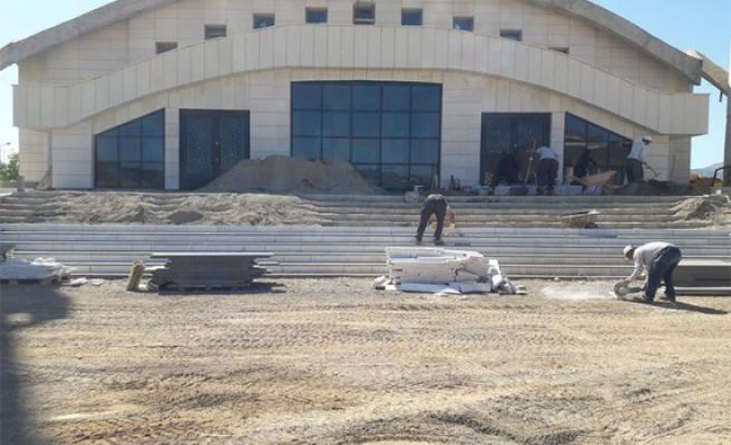 Büyükşehir, Avşar kampüsünde çevre düzenlemesi yapıyor