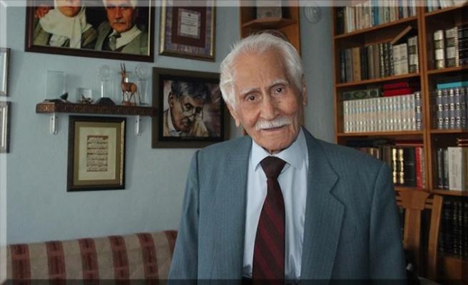 Türk edebiyatının 'Beyaz Kartal'ı: Bahaettin Karakoç