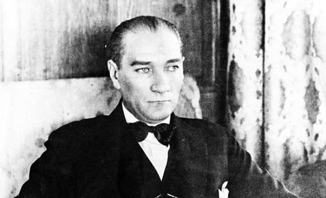 Atatürk 81 yıldır özlemle anılıyor