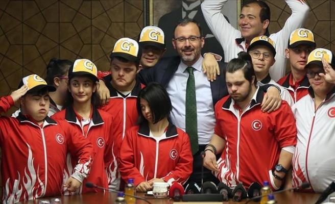 Kasapoğlu özel sporcularla bir araya geldi