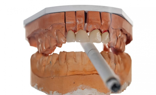Tütün ürünleri diş etine zarar veriyor!