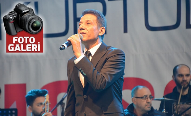 Mustafa Yıldızdoğan ve Atilla Sarıyıldız konseri ilgi gördü