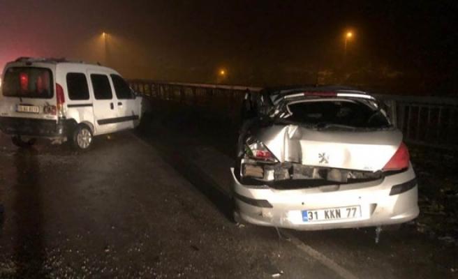 Zincirleme kazada 4 araçta hasar oluştu
