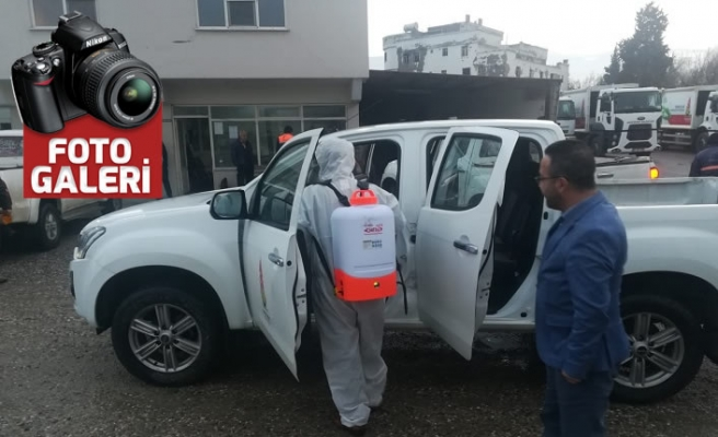 Onikişubat Belediyesi, ilçeyi dezenfekte ediyor