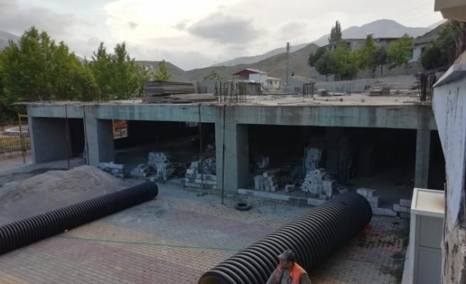 Çağlayancerit Turizm Kompleksi inşaatı devam ediyor