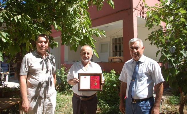 TSKGV'ye bağış yapan hayırsevere madalya verildi