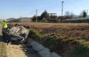 Takla atan otomobildeki 6 kişi yaralandı