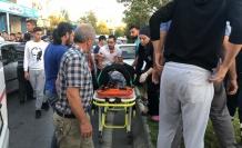 Otomobil yayalara çarptı: 4 yaralı