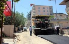 Menderes Mahallesine sıcak asfalt seriyor