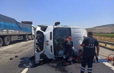 Minibüs devrildi: 1 ölü, 1 yaralı