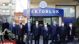 Ak Parti Milletvekilleri İstiklal Üniversitesi'ni ziyaret etti