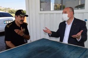 Vali Coşkun'dan güvenlik güçlerine ve sağlık çalışanlarına bayram ziyaretleri