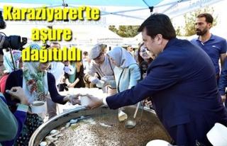 KARAZİYARET'TE AŞURE DAĞITILDI