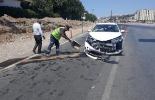İki otomobilin çarpıştığı trafik kazası: 2...