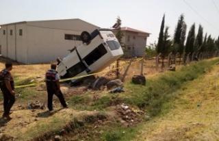Ailesinden izinsiz aldığı minibüsle takla attı:...