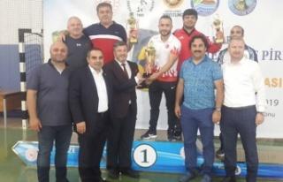 Mehmet Akif Pirim Güreş Turnuvasında, şampiyon...