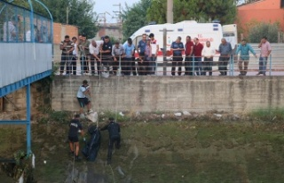 Serinlemek için sulama kanalına giren çocuk boğularak...