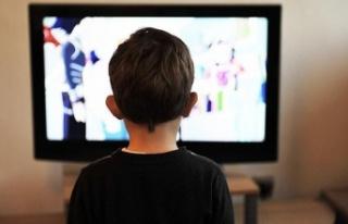 Televizyon karşısında uyuma obezite riskini artırıyor