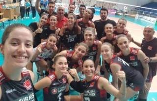 U17 Genç Kız Voleybolcular, Balkanlarda finalde