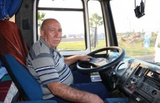 40 yıl direksiyon sallayarak ailesine baktı