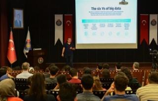KSÜ'de büyük veri ve yapay zekâ konferansı