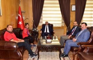 Milli gurur 'Sevilay', Özkan'ı ziyaret etti