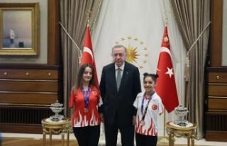 Paralimpikçiler, Saray'a çıktı..
